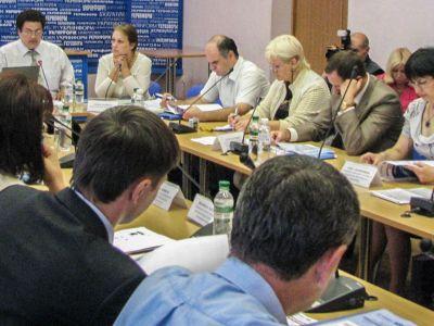 Результати моніторингу Дозвільних центрів стали поштовхом до вдосконалення законодавства України